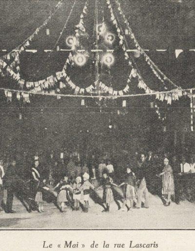 Ronde enfantine sous le mai de la rue Lascaris en 1926