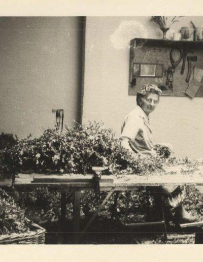 Les ateliers de tressage de guirlandes Robbi dans les années 1955-1960