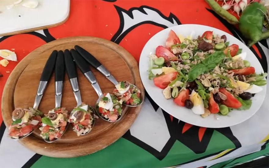 La salade niçoise en deux façons